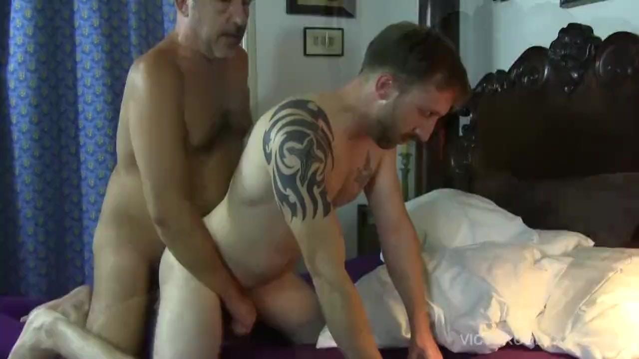 Antonio Aguilera Porno Gratis Video victor cody barebacks and breeds tom