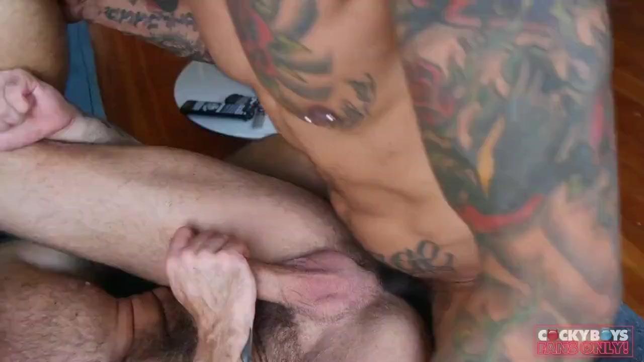 Actores Porno Gay Top tattoo guy fucks top hard