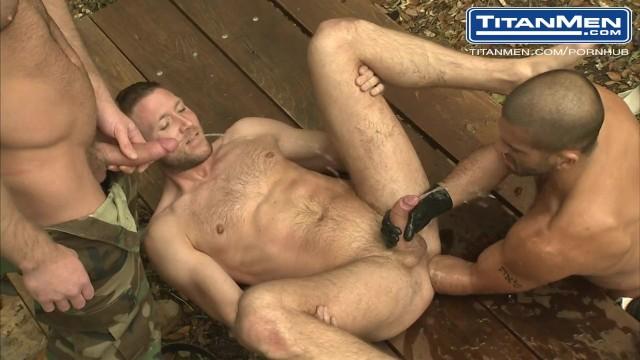 dean flynn nude